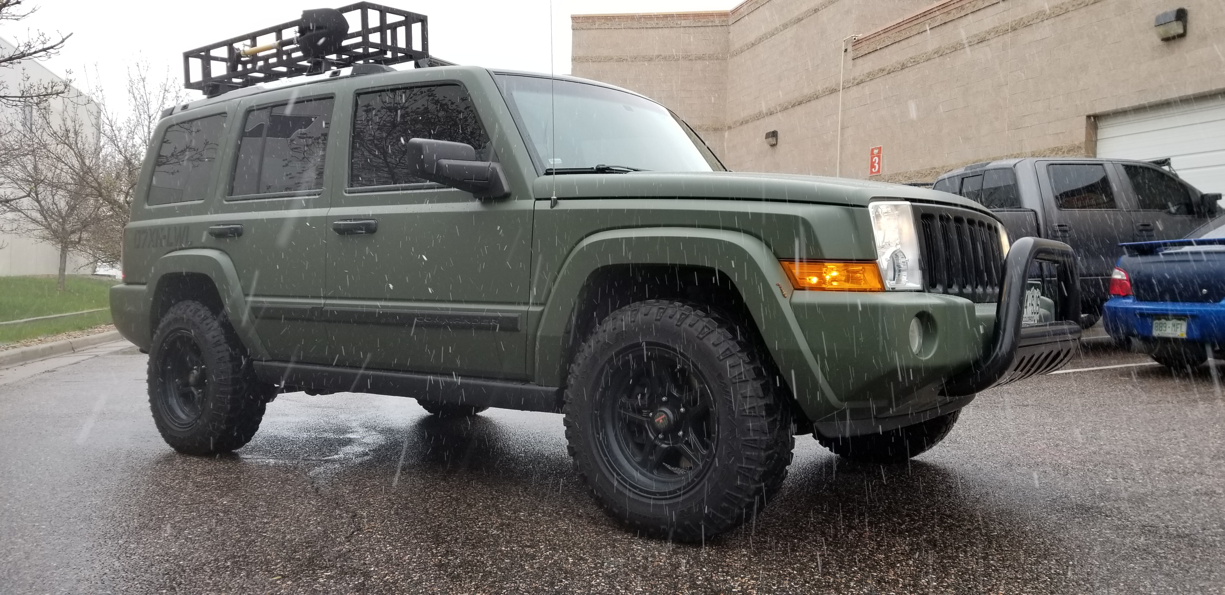 Jeep Commander in Matte Military Green